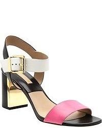 Sandalias de tacón de cuero rosa de Michael Kors