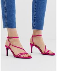 Sandalias de tacón de cuero rosa de Stradivarius