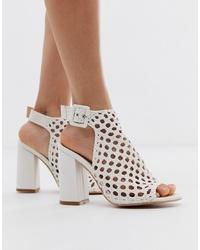 Sandalias de tacón de cuero tejidas blancas de SIMMI Shoes