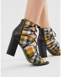 Sandalias de tacón de cuero tejidas en multicolor de Eeight