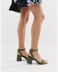 Sandalias de tacón de cuero verde oliva de Glamorous
