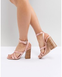 Sandalias de tacón de satén rosadas de ASOS DESIGN