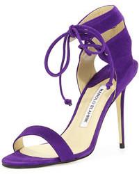 Sandalias de tacón en violeta