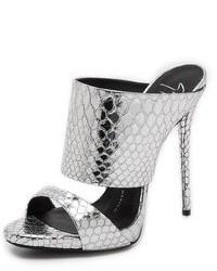 Sandalias de tacón grises