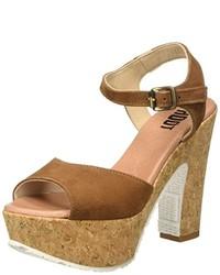 Sandalias de tacón marrón claro