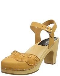 Sandalias de tacón marrón claro de Swedish Hasbeens
