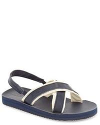 Sandalias en azul marino y blanco