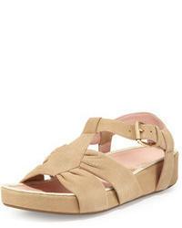 Sandalias planas de ante en beige