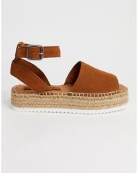 Sandalias planas de ante marrónes de ASOS DESIGN