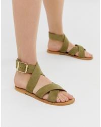 Sandalias planas de ante verde oliva de ASOS DESIGN