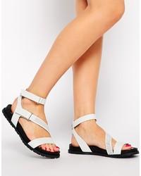 Sandalias planas de cuero blancas de DKNY