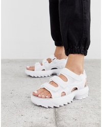 Sandalias planas de cuero blancas de Fila