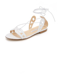 Sandalias planas de cuero blancas