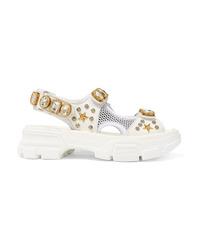 Sandalias planas de cuero con adornos blancas de Gucci