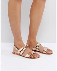 Sandalias planas de cuero doradas de Asos