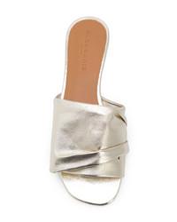 Sandalias planas de cuero doradas de Clergerie