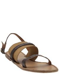 Sandalias planas de cuero en marrón oscuro