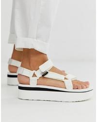 Sandalias planas de cuero gruesas blancas de Teva