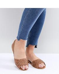 Sandalias planas de cuero marrón claro de ASOS DESIGN