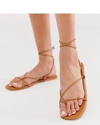 Sandalias planas de cuero marrón claro de Missguided
