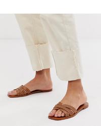 Sandalias planas de cuero marrónes de Mango