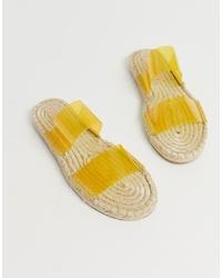 Sandalias planas de goma amarillas de ASOS DESIGN
