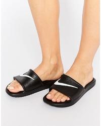 Sandalias planas de goma negras de Nike
