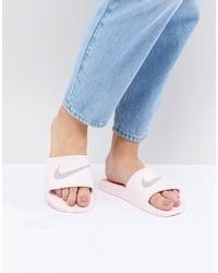 Sandalias planas de goma rosadas de Nike