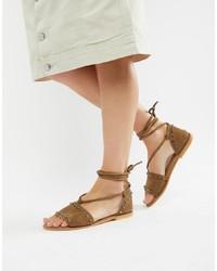 Sandalias romanas de ante marrón claro de ASOS DESIGN