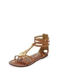 Sandalias romanas de cuero con adornos marrónes