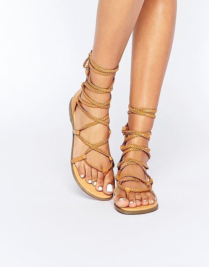 692a04d56b4 ... Sandalias romanas de cuero marrón claro ...