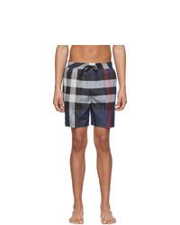 Shorts de baño de tartán azul marino de Burberry
