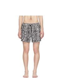 Shorts de baño estampados en negro y blanco de Burberry