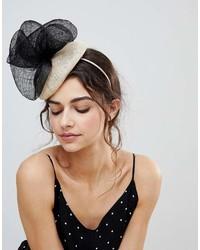 Sombrero con adornos en beige de Vixen