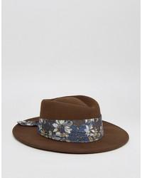Sombrero con print de flores marrón de Asos
