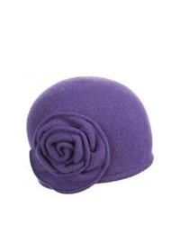 Sombrero de lana en violeta