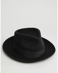 Sombrero negro de Brixton