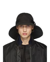 Sombrero negro de Sacai
