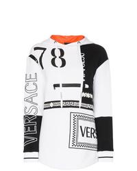Sudadera con capucha estampada en blanco y negro de Versace