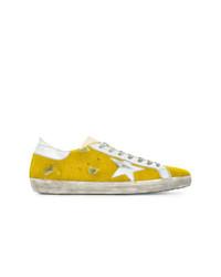 Tenis amarillos de Golden Goose Deluxe Brand