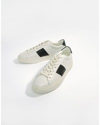 Tenis blancos de Good For Nothing