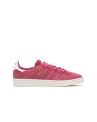 Tenis de ante rosa de adidas