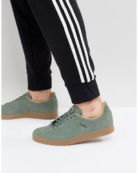 Tenis de ante verde oscuro de adidas Originals