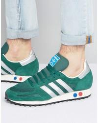 Tenis de ante verdes de adidas