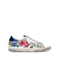 Tenis de cuero con print de flores blancos de Golden Goose Deluxe Brand