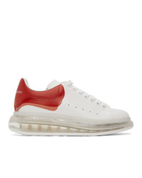 Tenis de cuero en blanco y rojo de Alexander McQueen