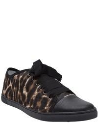 Tenis de leopardo marrónes