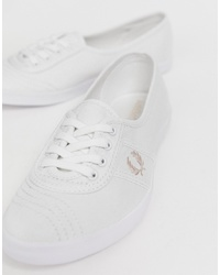 Tenis de lona blancos de Fred Perry