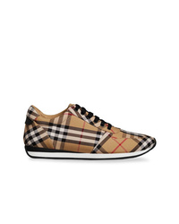 Tenis de lona de tartán marrón claro de Burberry