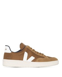 Aliado Extremo Nebu  Comprar unos zapatos de lona marrónes Veja | Lookastic España